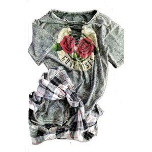 Womens/Juniors Guns & Rose's Graphic Tee size L